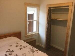 3 bedrooms downtown Nelson available Oct 20 to Dec 20