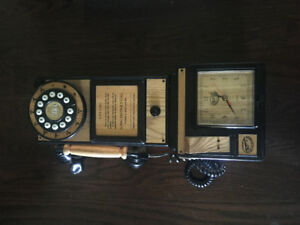 Hang Up Old Wall Phone BROKEN Play Antique Call Room Plastic