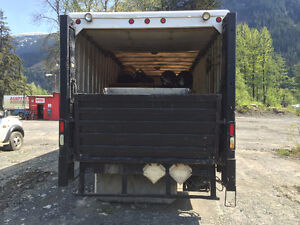 24FT Box with Power Liftgate Prince George British Columbia image 2