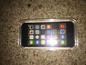 *BRAND NEW* iPod touch 16gb (never been used)