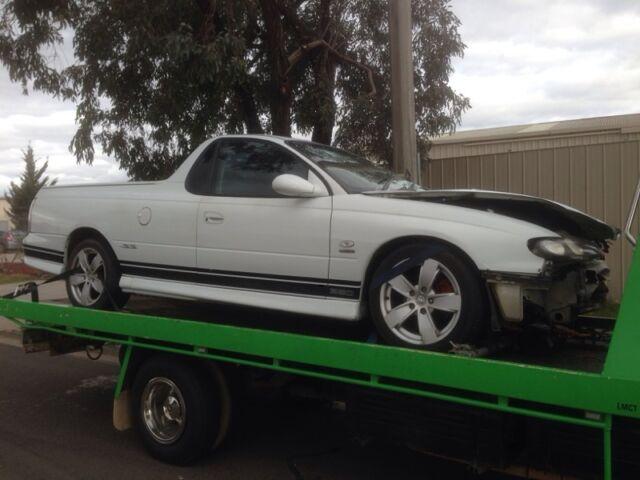 Wrecking Holden Commodore Vu Ss Ute V8 Manual Wrecking