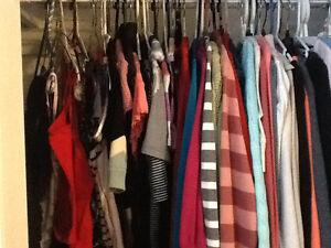 Vetements, souliers et plus /clothing, shoe, purses