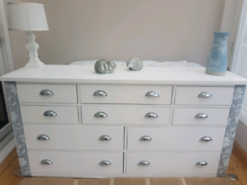 Side board chest of drawers
