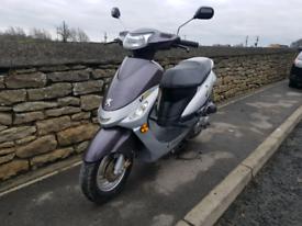 2011 Peugeot v-clic 50 50cc moped city scooter,full years mot