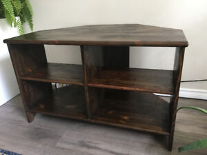 Solid wood TV stand in great condition!