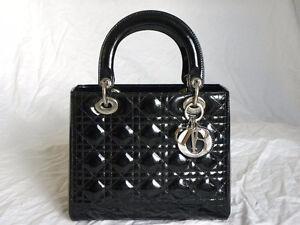 Christian Dior Bag. Black. Medium Size