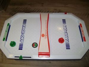 Jeu de table de mini air hockey électronique Face-Off