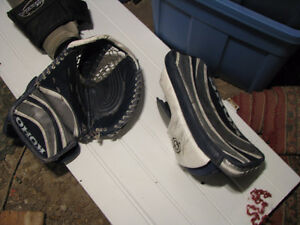 Full goalie gear for sale, used by a 5'9'' tender Peterborough Peterborough Area image 4