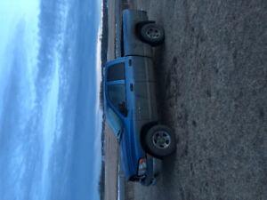 2004 dodge 1500 4x4 parts truck