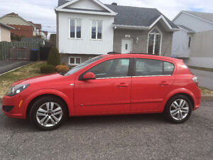 Saturn Astra  2010 Automatic Toit/ Cuir/ A/c Seulement 104000km