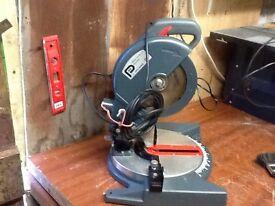 Pro 750w compound mitre / chop saw