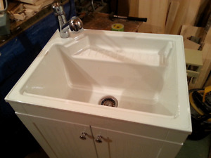 laundry room sink/cabinet