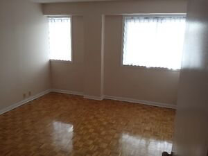 Very CLEAN and BRIGHT apartment for rent West Island Greater Montréal image 3