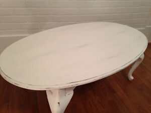 ~Chalkpainted classic oval coffee table~ Moose Jaw Regina Area image 2