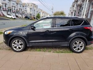 AWD Ford Escape Titanium 2014, 52,500kms, well maintained