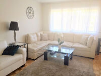Sofa sectionnel beige\ ivory sectional