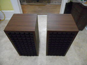 Vintage stereo Bookshelf speakers.  AWESOME SOUND! Kitchener / Waterloo Kitchener Area image 4