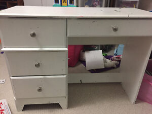Desk in good condition.