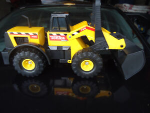Tonka Mighty Front End Loader 728
