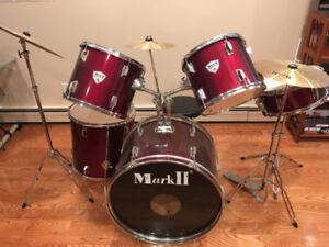 5 piece beginner drum kit in red