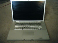 """REDUCED ! Broken 15"""" Macbook Pro. FOR PARTS ONLY !"""