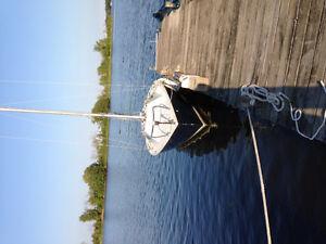 21 Foot Challenger racing Sailboat