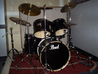 Pearl 5 piece Export Series with Zildjian cymbals and stands