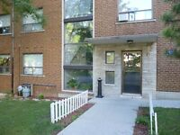 Great 2 (TWO) Bedroom Apartment in Nice Park St. S. Location!