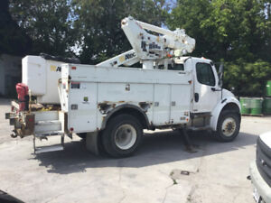 07 Freightliner FL80 Altec TA40, Fast Sale-As is-Contact ASAP!!!