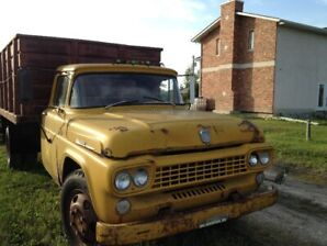 1958 ford 3 ton (f7 big job) dump truck
