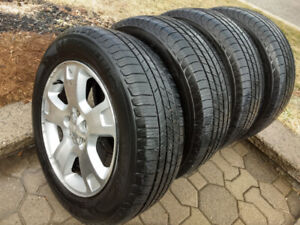 Michelin summer tires on mags 215/65 R17. Ford.