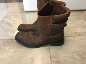 RocketDog - men's brown leather boots - size 9.5