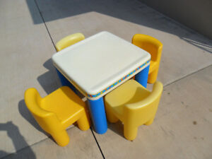 Little Tikes Kids Dining Table Set & FOUR Chairs