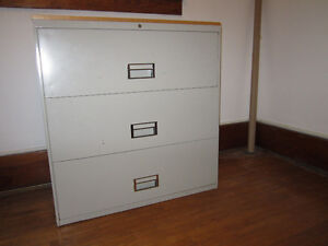 Free filling cabinet