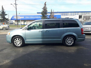 TOWN & COUNTRY VAN , LOADED ,Finance @$400 MO oac