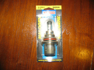 AUTOMOTIVE LIGHT BULB / NEW IN PACKAGE / ITEM NUMBER / 9004
