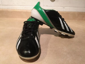 Adidas F5 Outdoor Soccer Cleats Size 6 London Ontario image 8