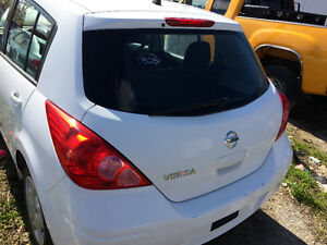 Nissan versa 2012 Accdent free  3 instock  white colors