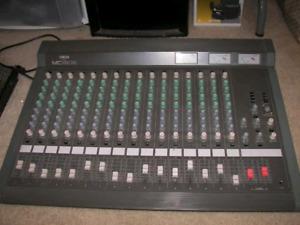 Console Mixeur YAMAHA MC-1602 Haute Qualité