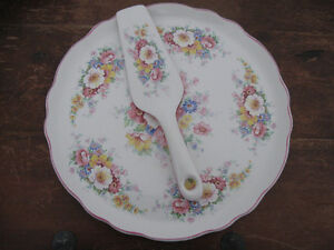 Vintage James Kent Cake Plate and Lifter Prince George British Columbia image 1