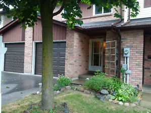 Attn RVH & Other Professionals-Nice Allandale Townhome Near Go