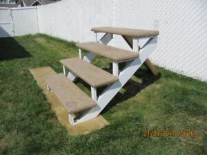 Aluminum/Fiberglass staircase-Escalier aluminium fibre de verre