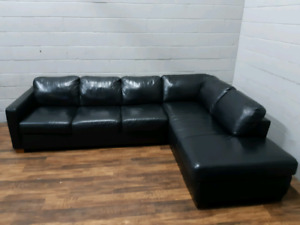 Free delivery: Black Natuzzi Leather Sectional