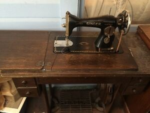 Sewing machine 1932 CAN DELIVER FOR FREE