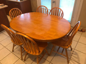 Kitchen/Dining Room Table and 6 Chairs - $150 OBO