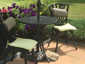 Bistro set, outdoor rug