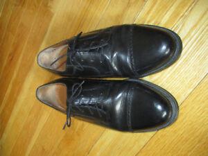 Mens size 10 dress shoes (pierre cardin)