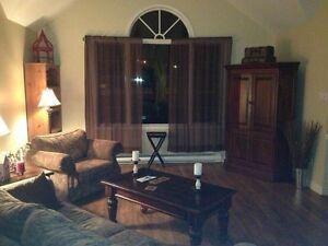 Spacious Room for Rent on lake close to Burridge