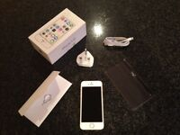 iPhone 5s 16GB Gold in immaculate condition