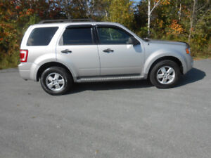 2009 FORD EESCAPE XLT SUV, AWD 2 YEAR WARRANTY INCLUDED